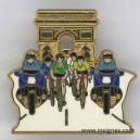 Pin's Tour de France arc de triomphe +vert + jaune