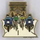 Tour de France Maillot jaune vert blanc Arc de triomphe.