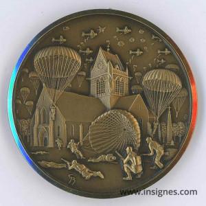 6 juin 44 Parachutistes Débarquement Ste Mere l'Eglise Médaille Musée